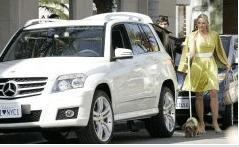 Mercedes Benz de nuevo con la moda