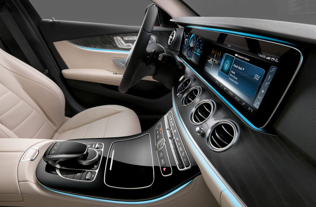 Mercedes Clase E Display HD Continental Concesur