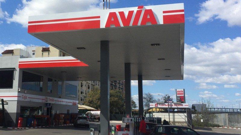gasolinera avia dos hermanas