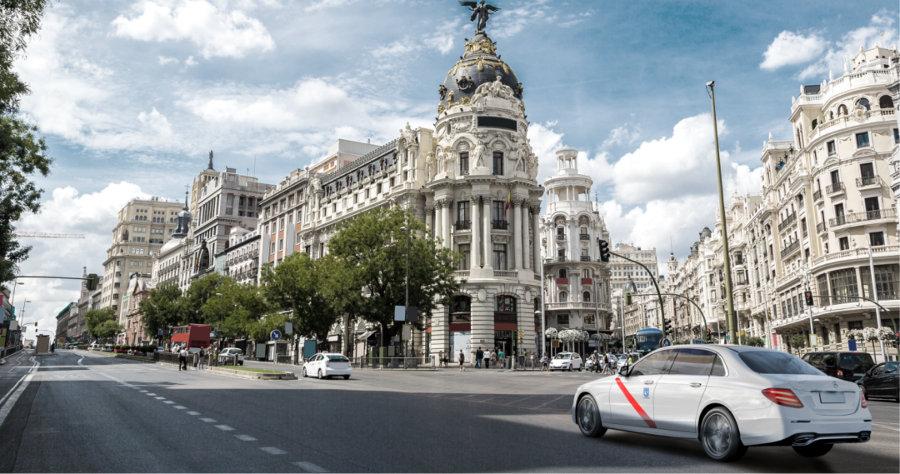 El dinamismo del taxi Mercedes en Madrid