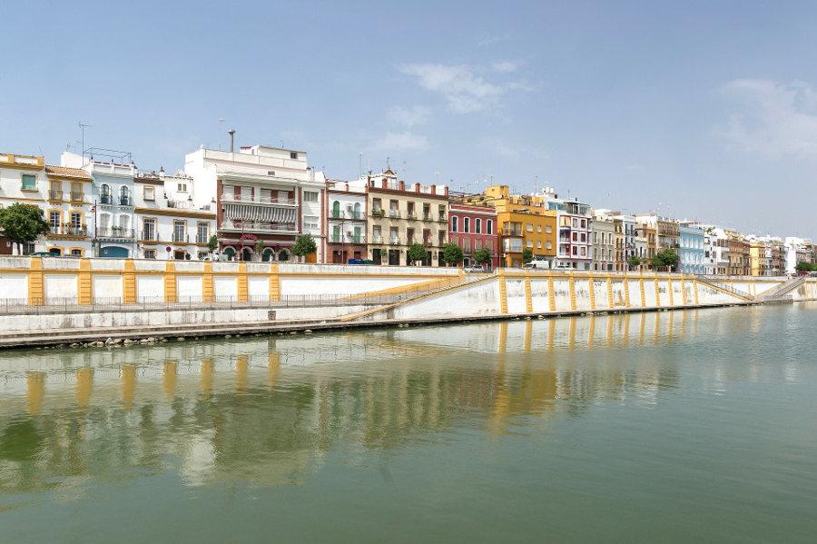 Deja de dar vueltas: ¿Cuáles son los mejores parkings de Sevilla?
