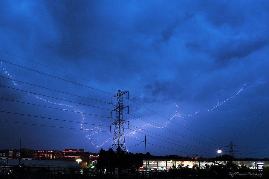 Qué hacer al conducir bajo tormenta eléctrica