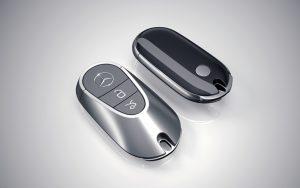 ¿Cómo cambiar la pila del mando de un Mercedes?