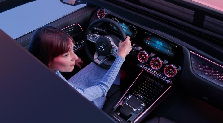 Mercedes EQA 300 y EQA 350