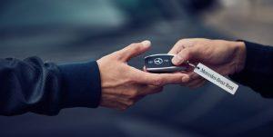 ¿Cuánto cuesta alquilar un Mercedes Benz?