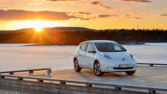 Nissan-Leaf 2014 800x600 wallpaper 04