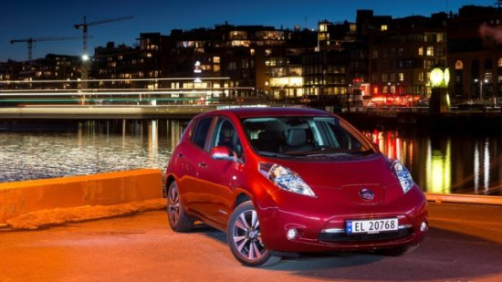 Nissan-Leaf 2014 800x600 wallpaper 06